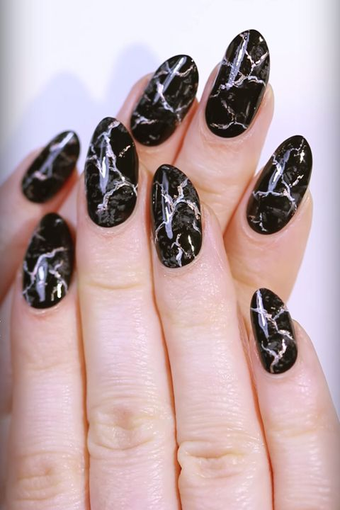 Black Marble Fall Nail Art