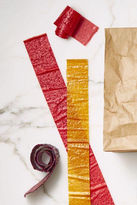 chewy-fruit-rolls-recipe-gh-0917