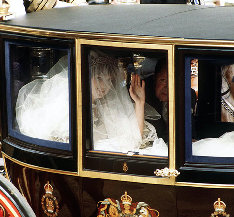 11++ Princess Diana Wedding Dress Creased