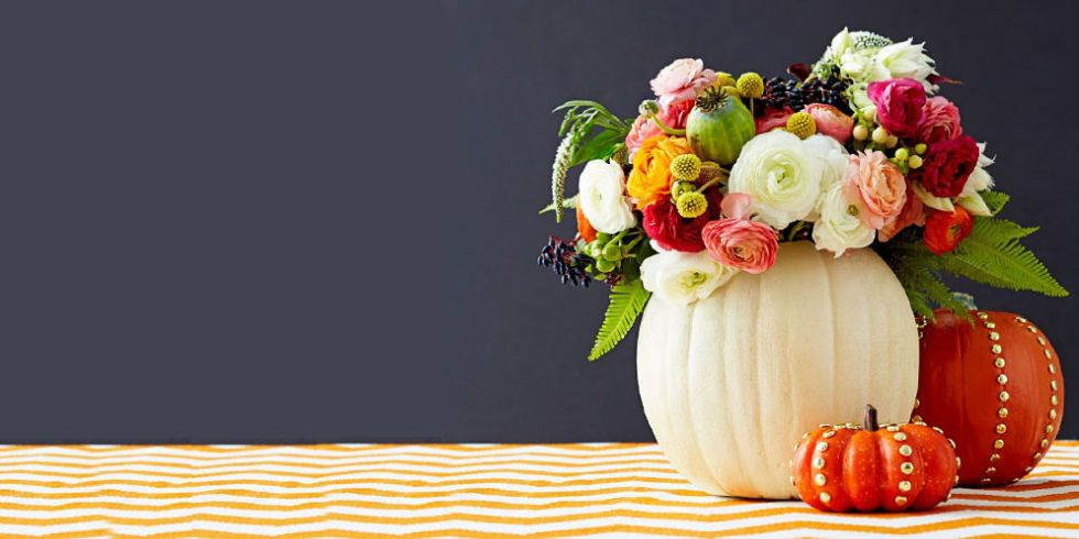 Try Your Hand At These Stylish Crafts To Bring All Your Fall Favorites  (apples! Pumpkins!) Inside.