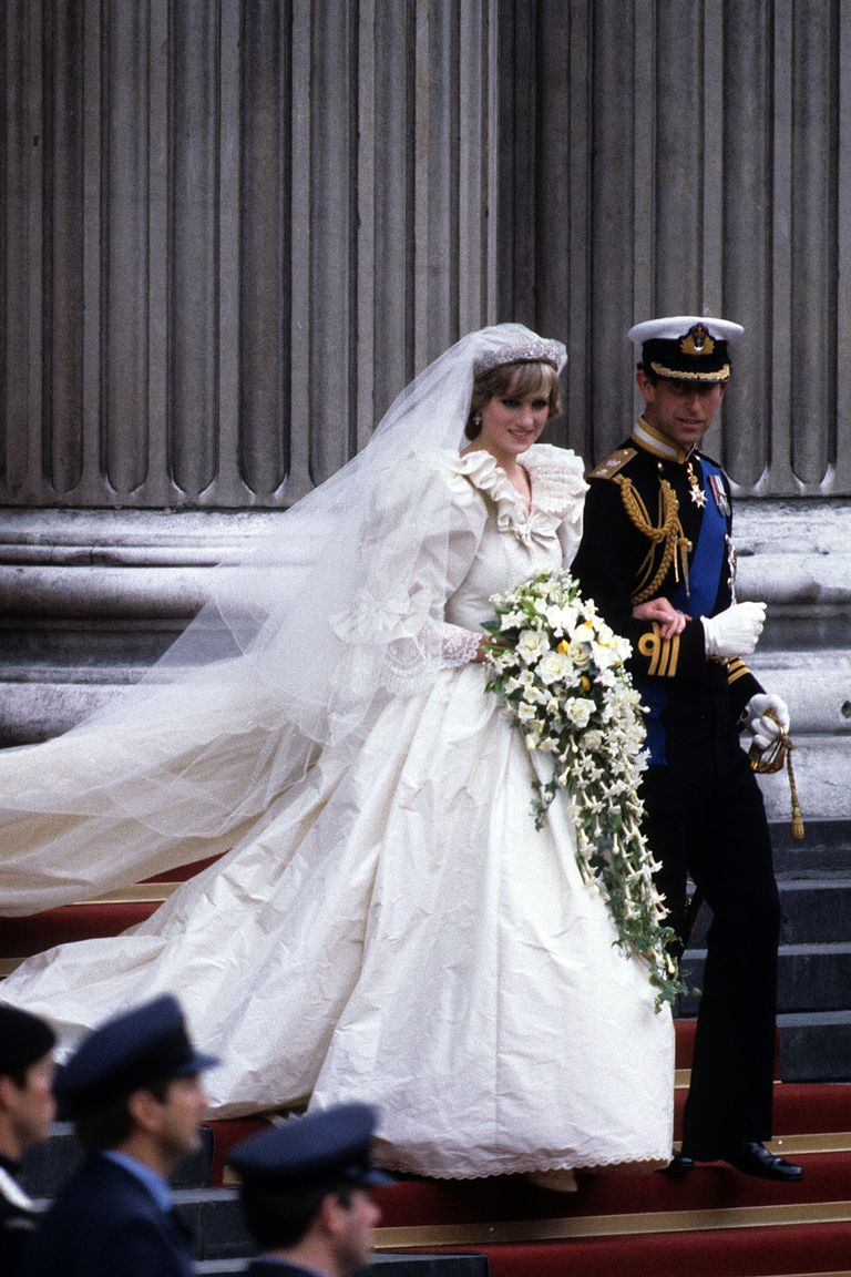 10 Things You Didn\'t Know About Princess Diana\'s Wedding Dress ...