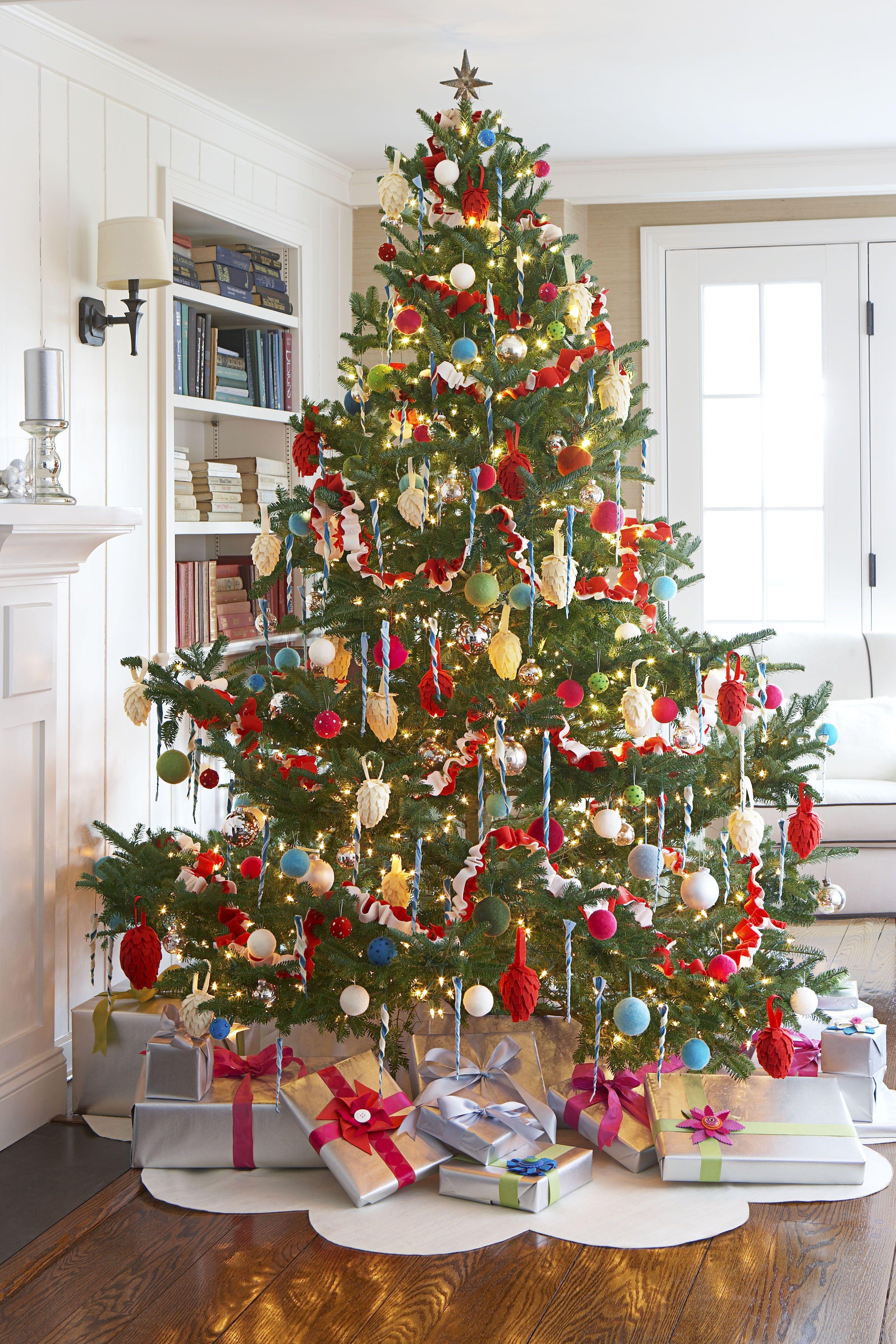 Felt Christmas Tree Skirt   Christmas Decoration Ideas