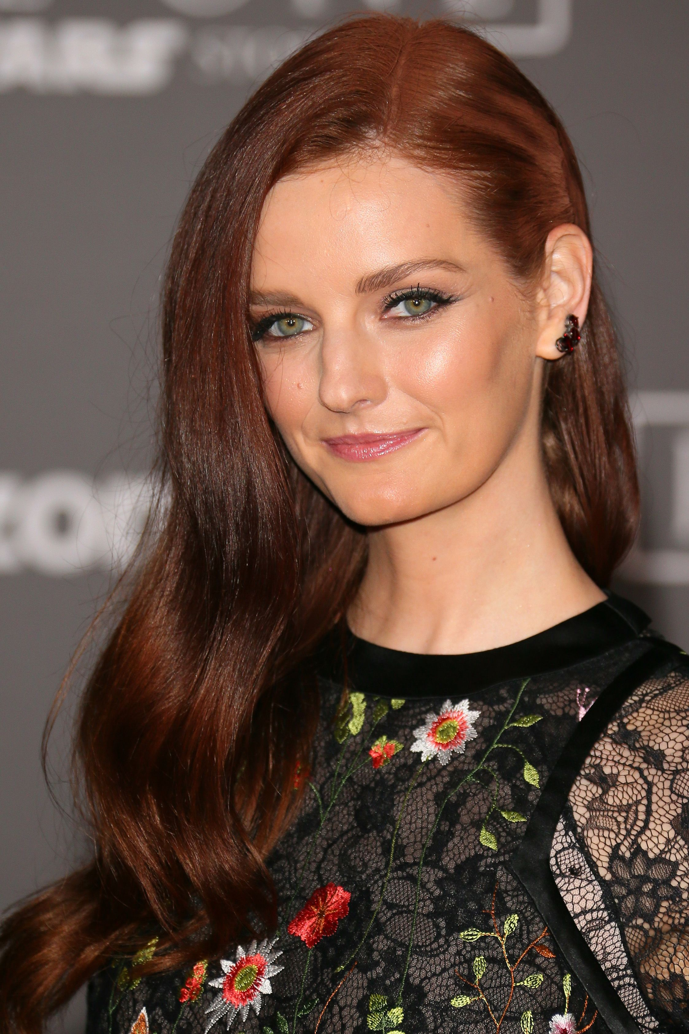 19 Auburn Hair Color Ideas Dark Light And Medium Auburn Red Hair