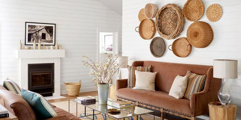 Living room, Room, Furniture, Interior design, Wall, Coffee table, Table, Brown, Wood, Beige,