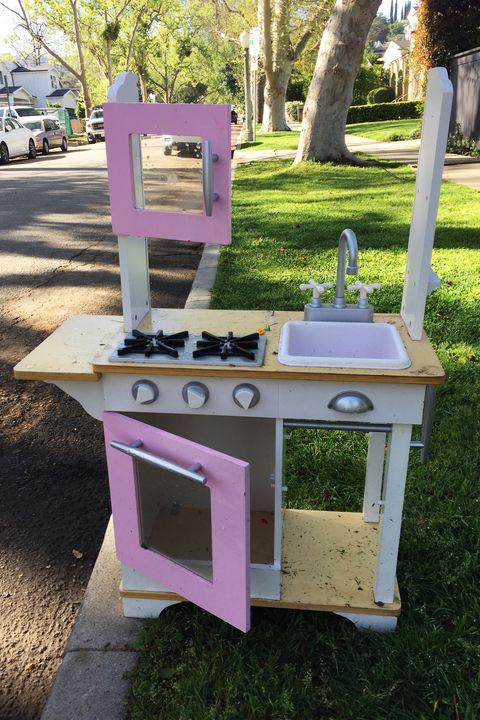 kitchen set on street