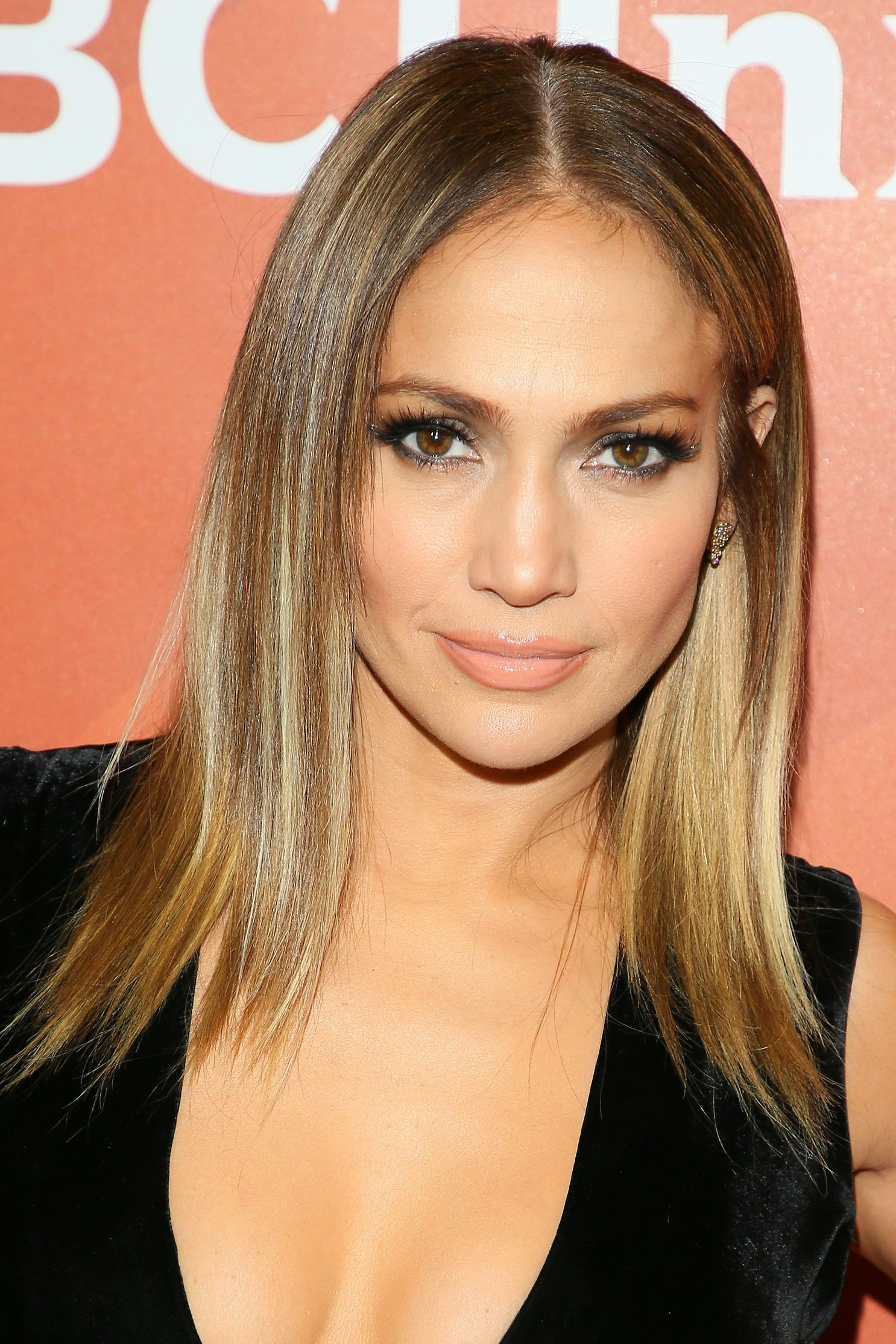 31 Celebs Who Dont Have The Hair Color You Thought They Did Real