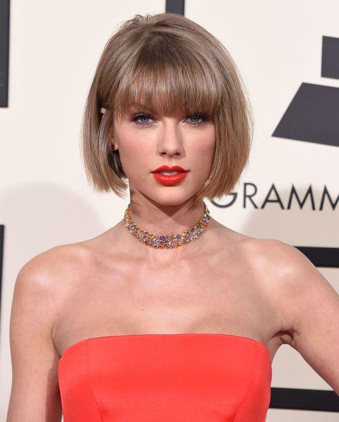 Hair, Face, Hairstyle, Lip, Bangs, Beauty, Blond, Chin, Shoulder, Bob cut,