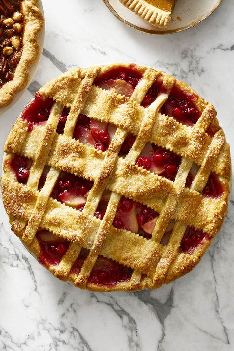 Cranberry-Pear Lattice Pie / thanksgiving desserts