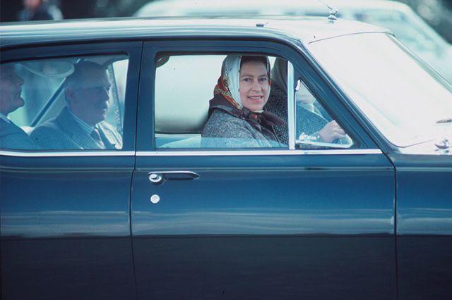 40+ Odd British Royal Family Rules - Strange Edicts the ...