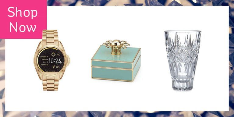 15 best anniversary gift ideas for her top wedding anniversary you cherish your relationship every day but one day out of the year you get to celebrate a little more these picks for new love birds and those who are negle Gallery