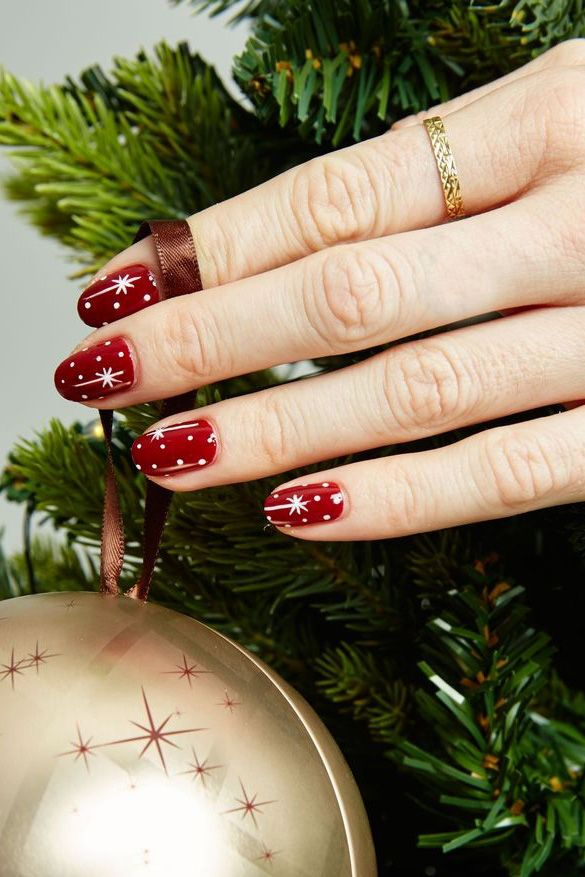 - 40 Festive Christmas Nail Art Ideas - Easy Designs For Holiday Nails