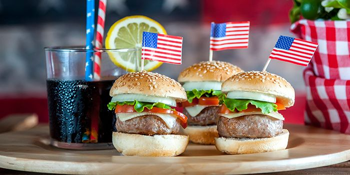 Where Military Members Can Eat for Free on Veterans Day 2019 - 13  Restaurants Offering Deals on Veterans Day