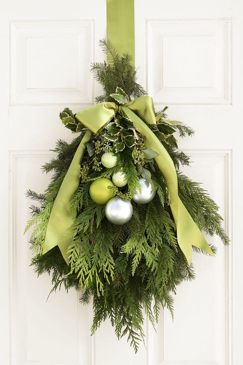 green christmas door decoration