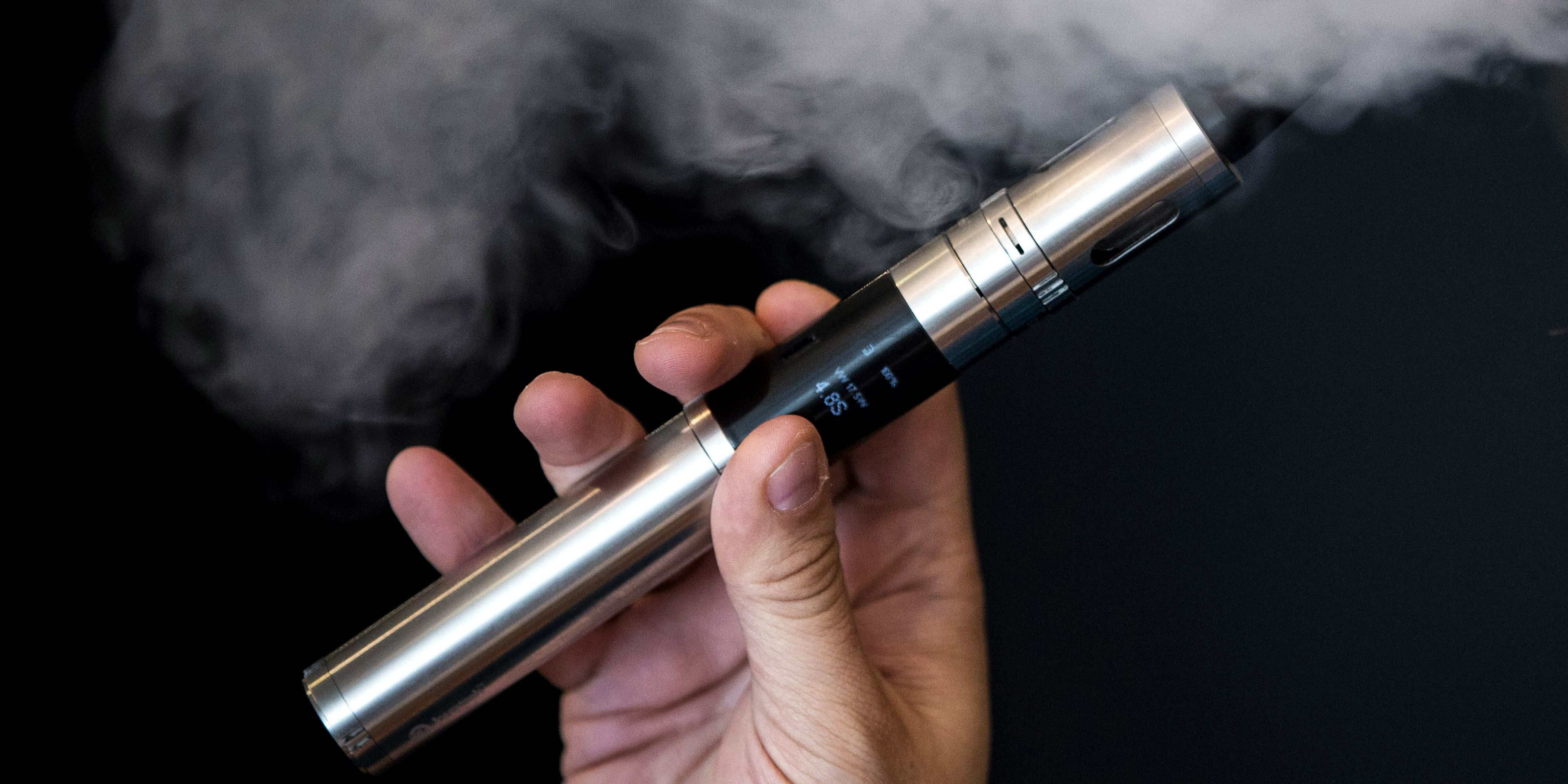 Vitamin B12 Vaping Can Hurt Your Lungs - Is Vitamin Vaping Really  Beneficial to Your Health?