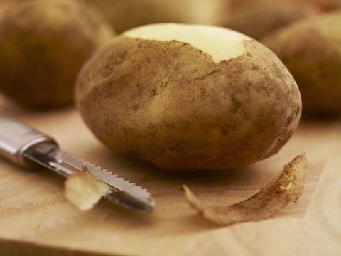 Food, Root vegetable, Potato, Vegetable, Russet burbank potato, Plant, Produce, Jícama, Solanum, Rutabaga,