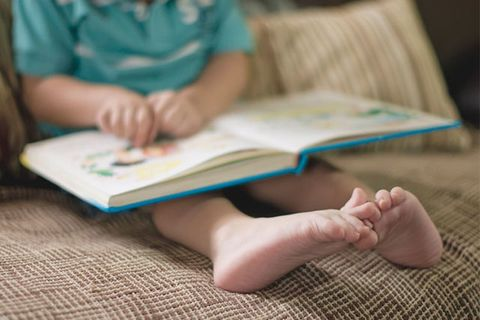Child, Reading, Hand, Leg, Learning, Sitting, Finger, Baby, Foot, Play,