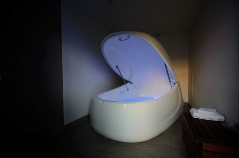 Sensory Deprivation Tank Experience What Goes On In A