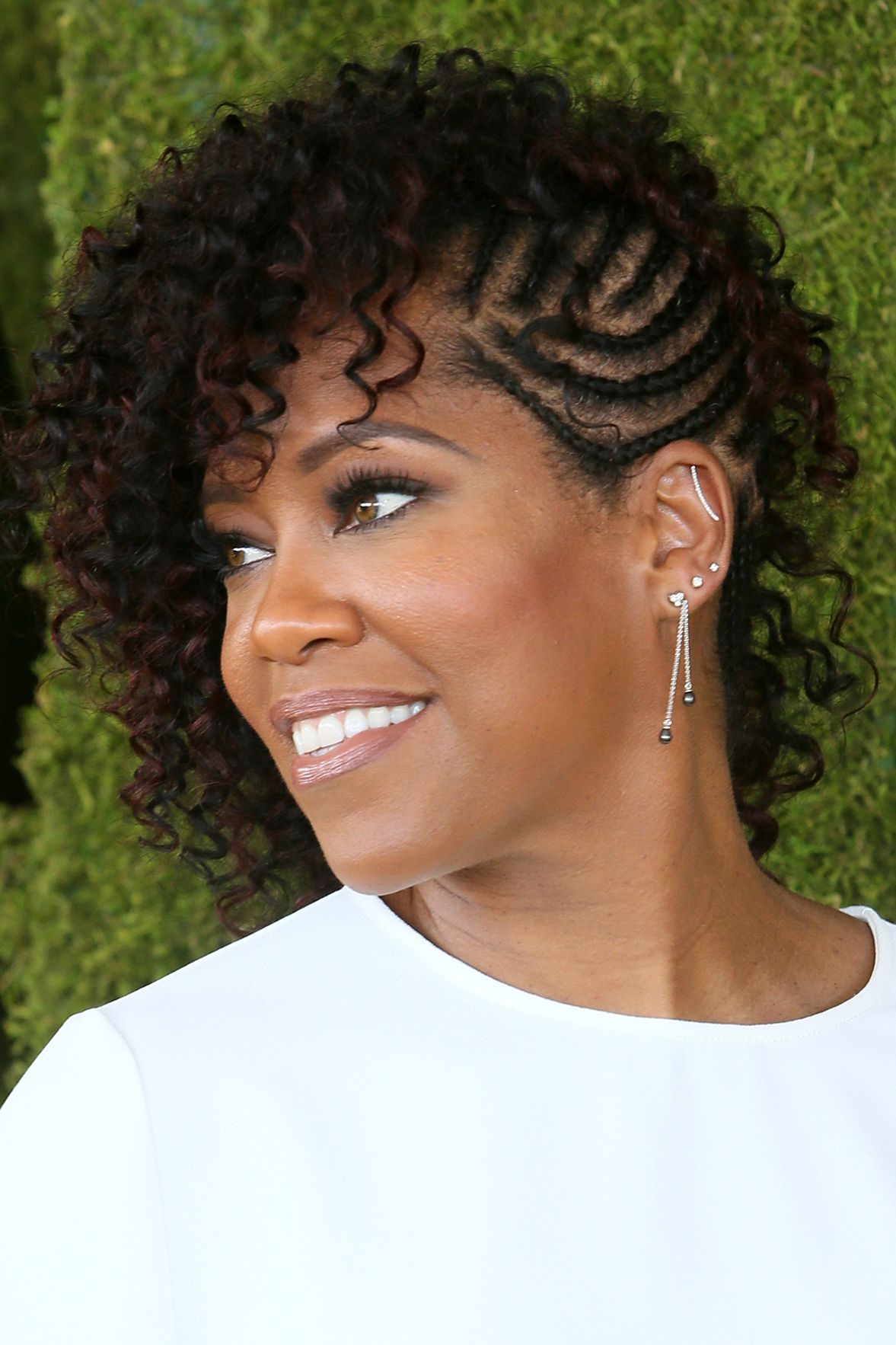 12+ Best Short Hairstyles for Black Women - Natural and Relaxed