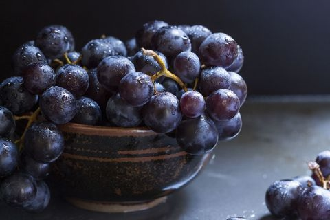 9 health benefits of grapes are red and green grapes good for you