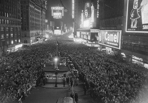 Monochrome, Black-and-white, Crowd, Night, Architecture, Street, Photography, Metropolis, City, Thoroughfare,