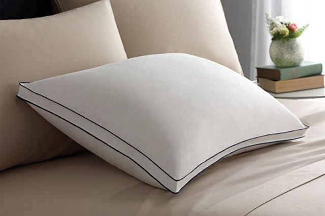 Best for Stomach Sleepers & 8 Best Pillows 2018 - Reviews of Top Rated Pillows for Side Back ...