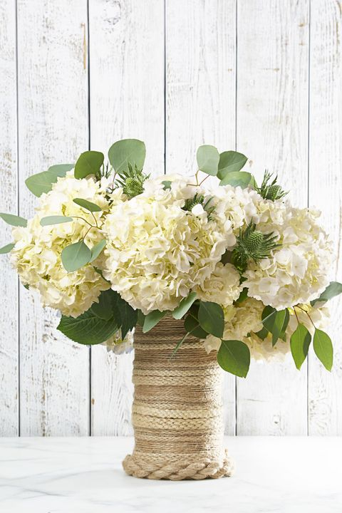 80+ Best Easter Flowers and Centerpieces - Floral Arrangements for ...