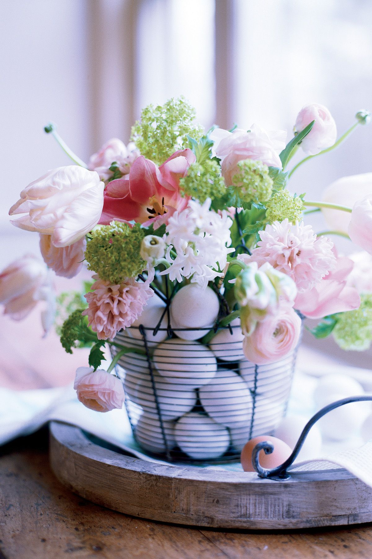 80+ Best Easter Flowers And Centerpieces   Floral Arrangements For Your  Easter Table