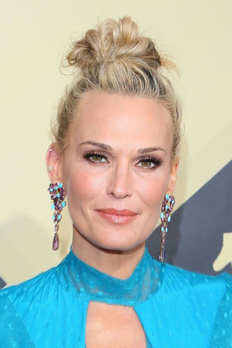 11 Easy Updos for Thin Hair - Updo Hairstyle Ideas for Fine Hair