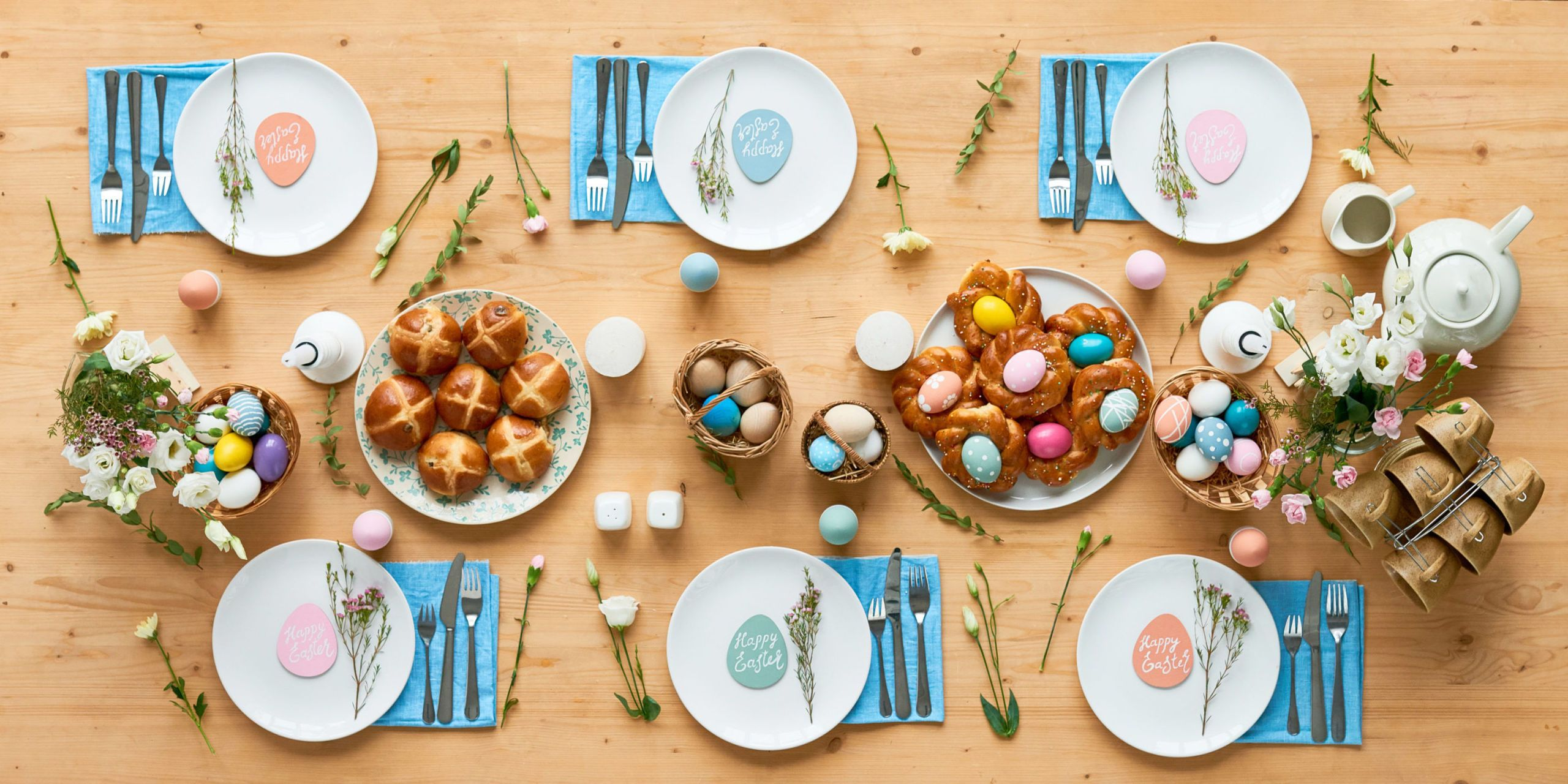 easter table setting & What Restaurants Are Open on Easter Sunday - 15 Restaurants Serving ...