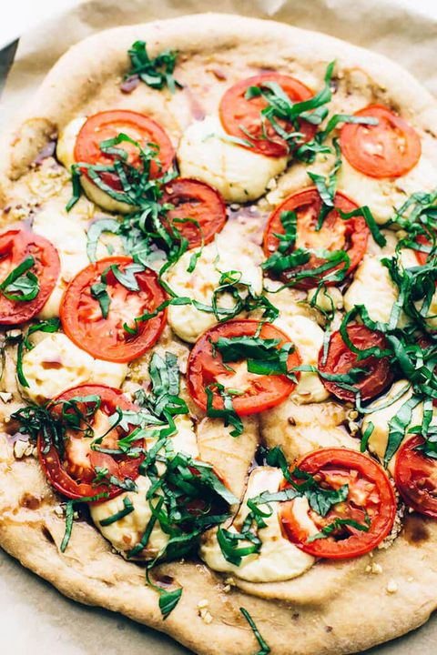 vegan caprese pizza