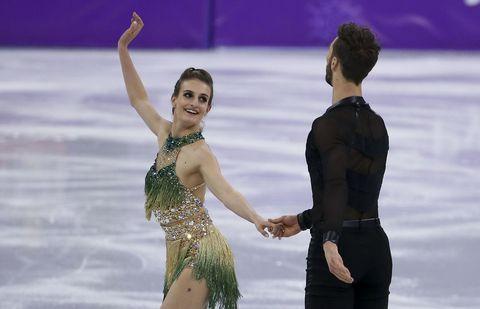 Ice skating, Figure skating, Ice dancing, Skating, Recreation, Sports, Individual sports, Figure skate, Winter sport, Dancer,