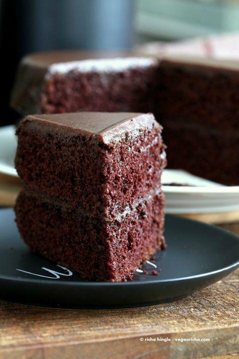 Dish, Food, Cuisine, Chocolate cake, Dessert, Cake, Flourless chocolate cake, Snack cake, Baked goods, Ingredient,