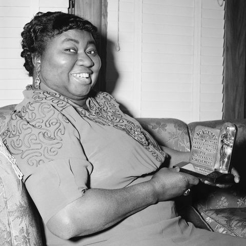 most scandalous oscars moments - hattie mcdaniel at segregated table, 1940