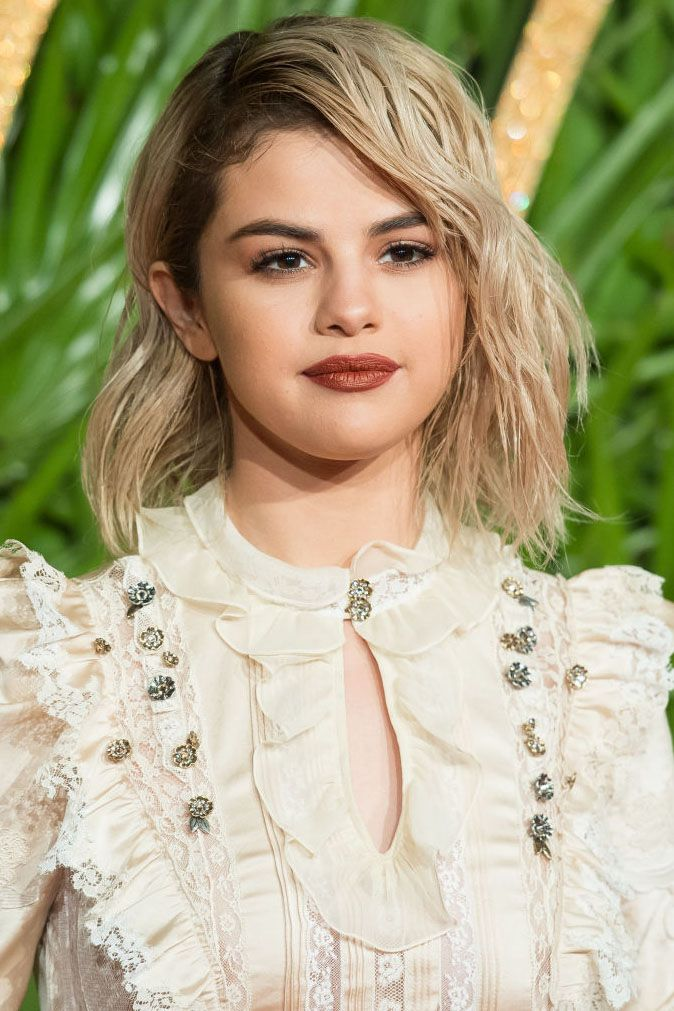 13 Best Haircuts for Round Faces 2018 , Hairstyles for Women