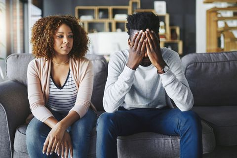 20 Body Language Signs That Your Marriage Is In Trouble