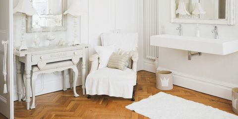 Wood, Room, Interior design, Floor, Flooring, Property, Wall, Home, Plumbing fixture, Hardwood,