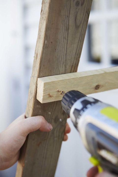 diy ladder planter step 2