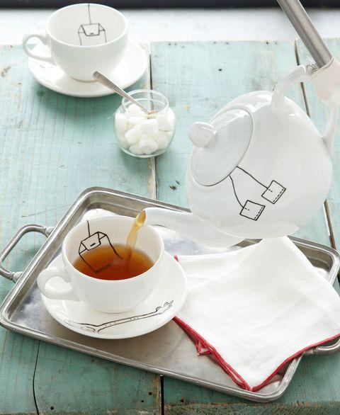 trompe loeil teapot