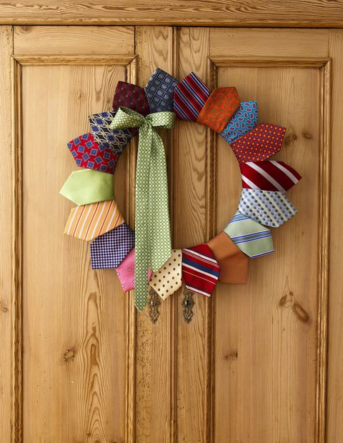 mens tie wreath