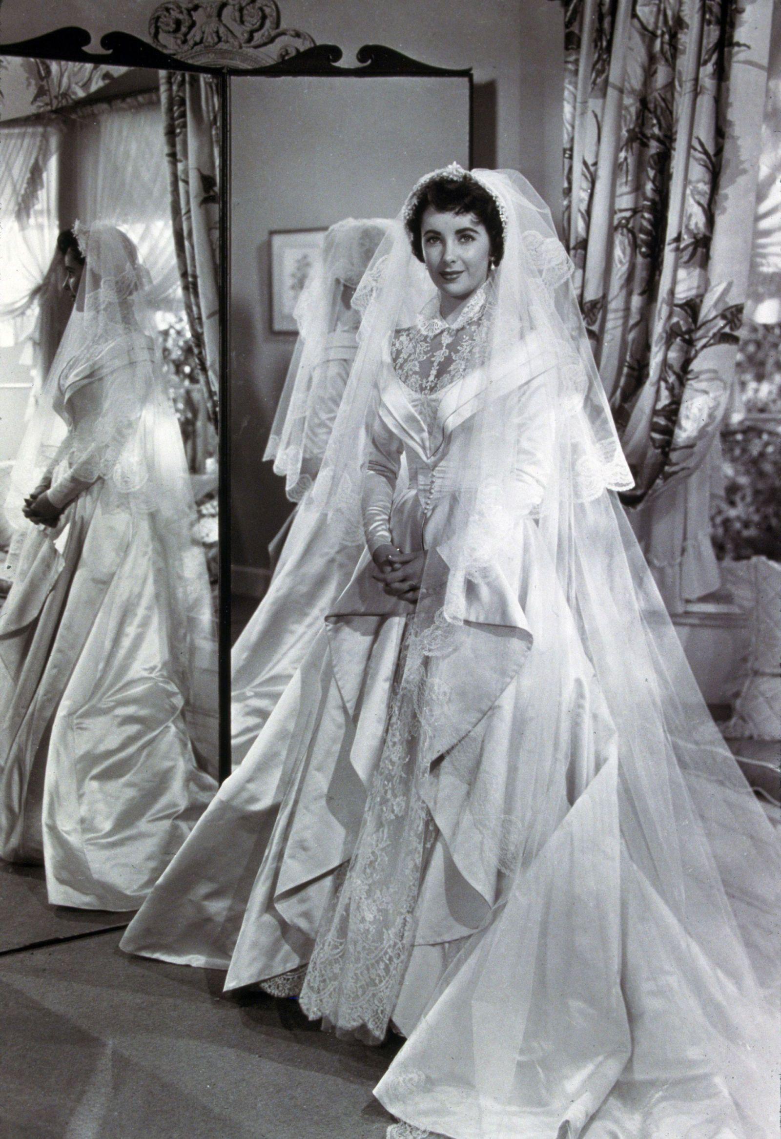 8d421798c2ee7 Famous Wedding Dresses - Wedding Dresses Through the Years