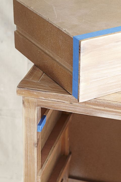 Wood, Hardwood, Wood stain, Tan, Rectangle, Plywood, Beige, Composite material, Material property, Varnish,