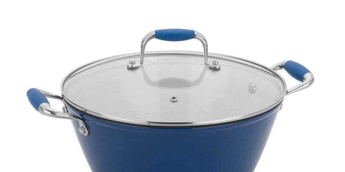 Kitchen Experts Say Dutch Ovens Are an Essential Cookware for Every Home Cook