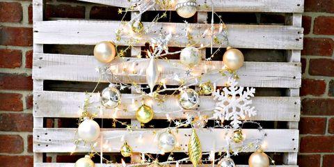 Brick, Brickwork, Interior design, Christmas decoration, Christmas tree, Christmas, Ornament, Christmas ornament, Decoration, Natural material,
