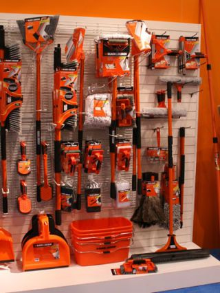 black and decker outdoor cleaning line