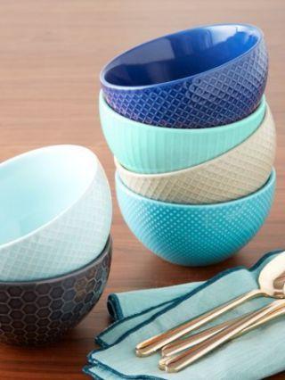 Blue, Teal, Turquoise, Aqua, Dishware, Serveware, Cutlery, Kitchen utensil, Azure, Plastic,