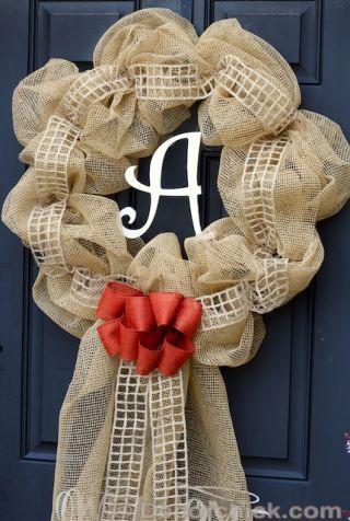 Textile, Petal, Cut flowers, Pattern, Creative arts, Craft, Artificial flower, Flower Arranging, Woolen, Embellishment,