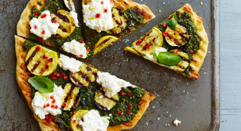grilled green and white pizza