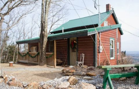 Cozy new hampshire cabin cute airbnb cabins for Ski cabins in new hampshire