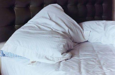 Room, Textile, Comfort, Bedding, Linens, Bed sheet, Bedroom, Bed, Duvet, Blanket,