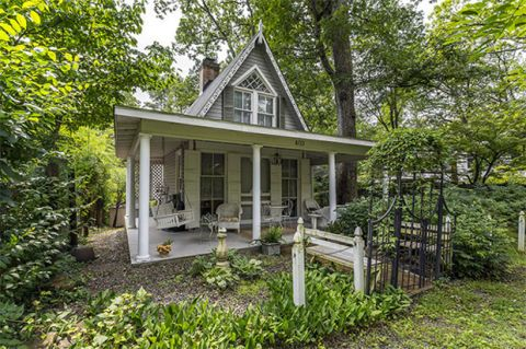 Built In 1875 And Located Beautiful Washington Grove Maryland Its Got Everything We Look For A Quaint Historic Getaway That Includes Pine Floors